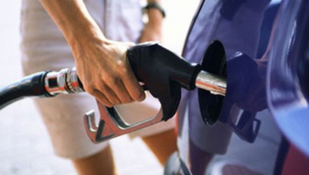 Bí quyết lái xe thời xăng tăng giá