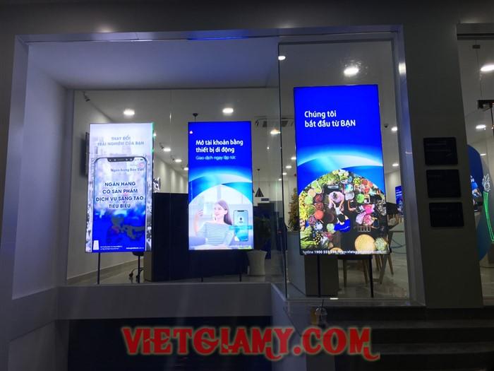 Thi công hộp đèn nhét ron Bản Việt Lâm Đồng